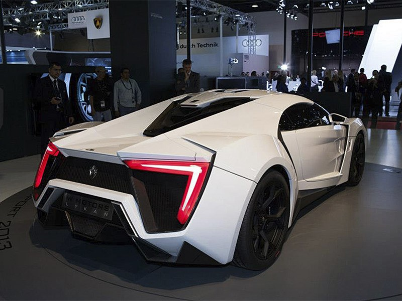 W Motors Lykan Hypersport 2013 вид сзади 2