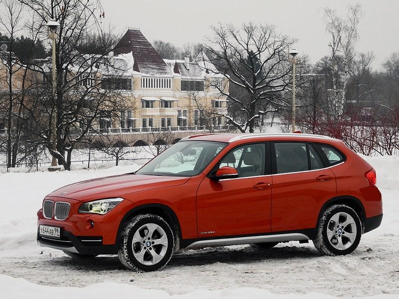 BMW X1 2012 вид сбоку