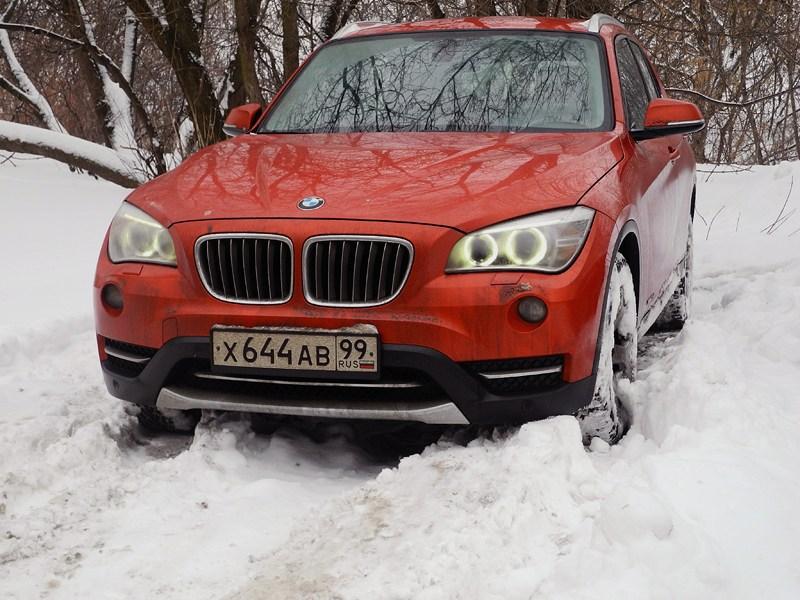 BMW X1 2012 вид спереди