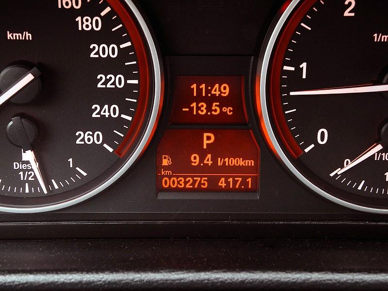 BMW X1 2012 приборная панель