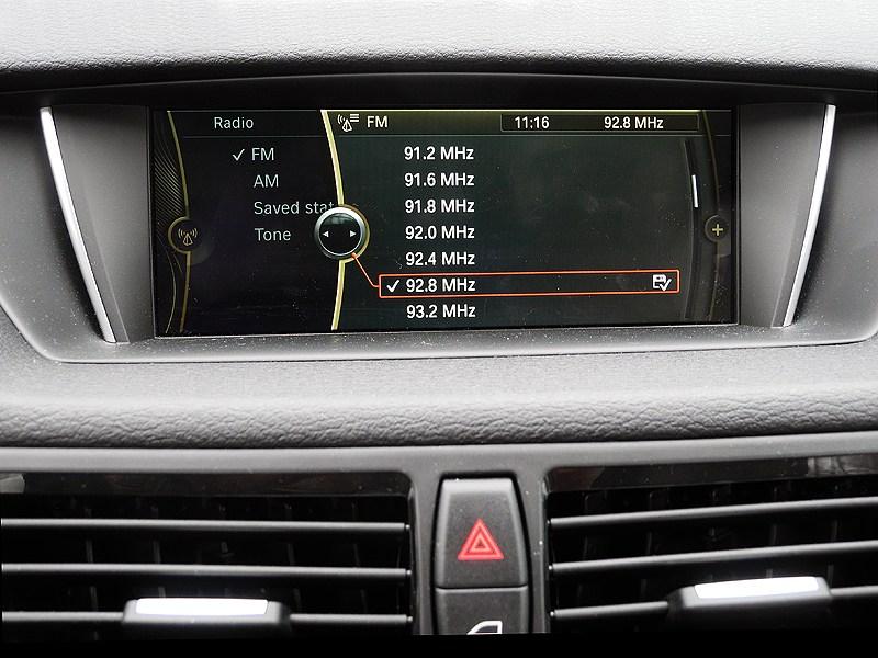 BMW X1 2012 дисплей аудиосистемы