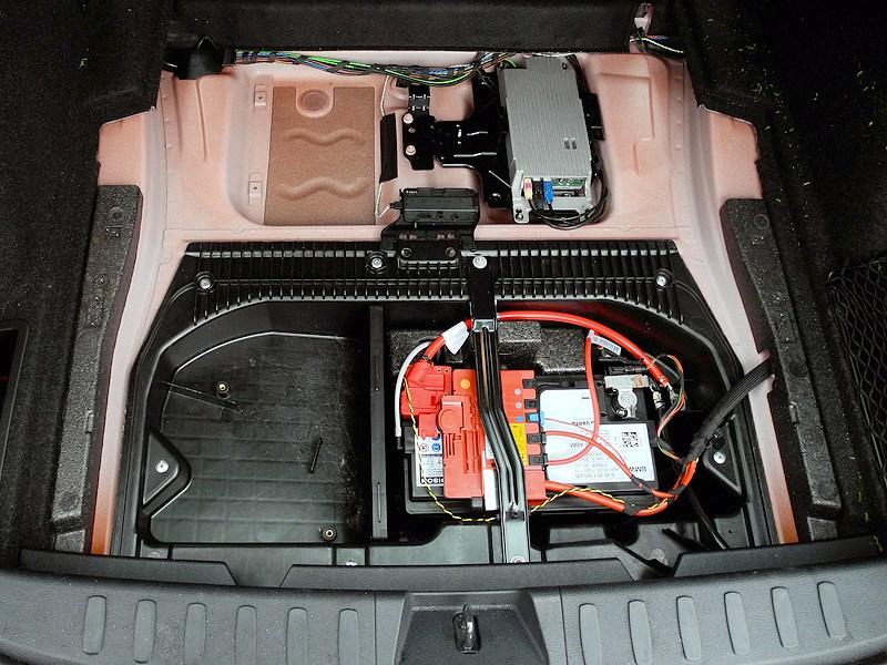 BMW X1 2012 багажное отделение