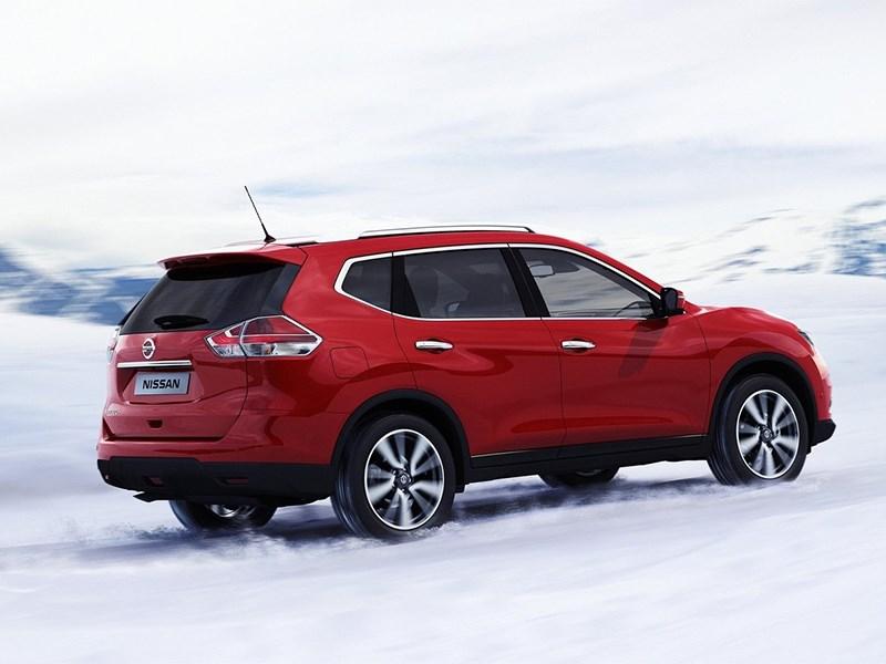 Nissan X-Trail 2014 вид сзади 3/4