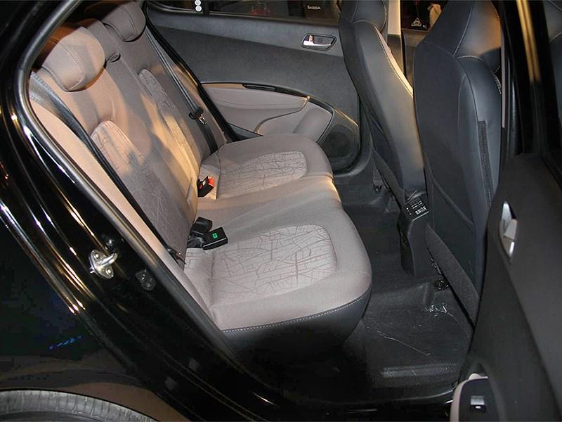 Hyundai Xcent 2014 задний диван