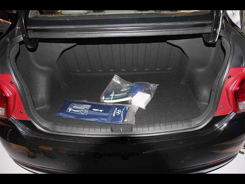 Hyundai Xcent 2014 багажное отделение