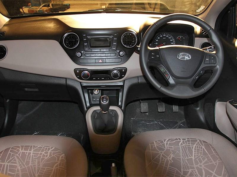 Hyundai Xcent 2014 водительское место