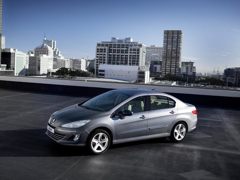 Продажи нового седана Пежо 408 стартуют на русском рынке в2016г.