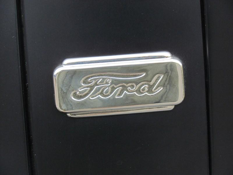 Форд планирует организовать производство беспилотных авто к 2021г