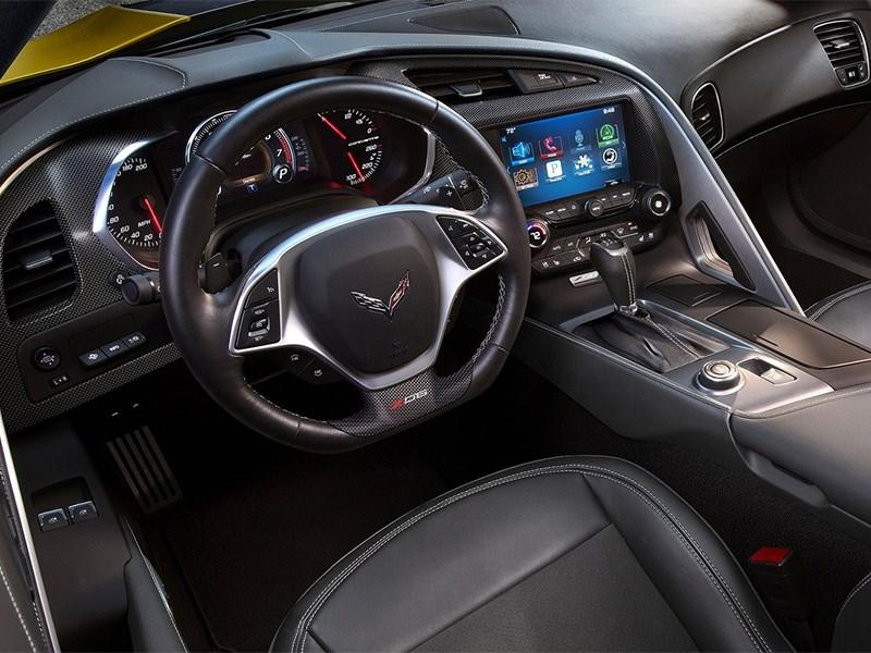 Chevrolet Corvette Z06 2015 водительское место