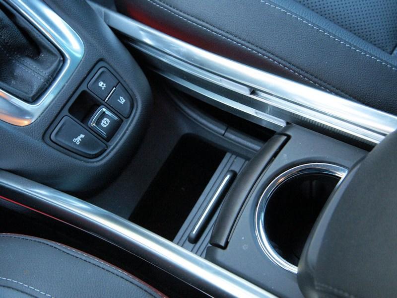 Opel Zafira Tourer 2012 отсек для мелочей