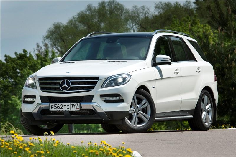 Mercedes-Benz ML 500 2012 вид спереди в три четверти