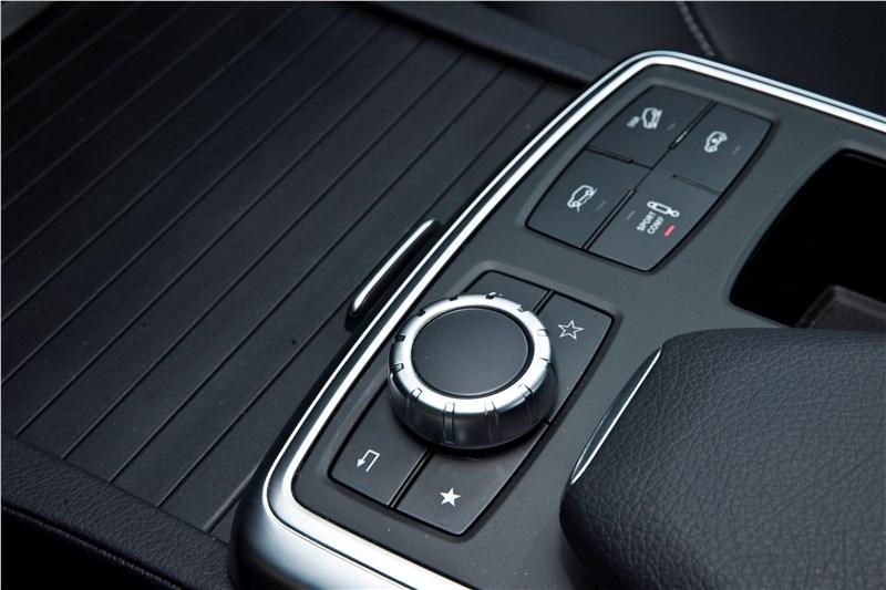Mercedes-Benz M-klasse 2012 пульт управления системы COMAND