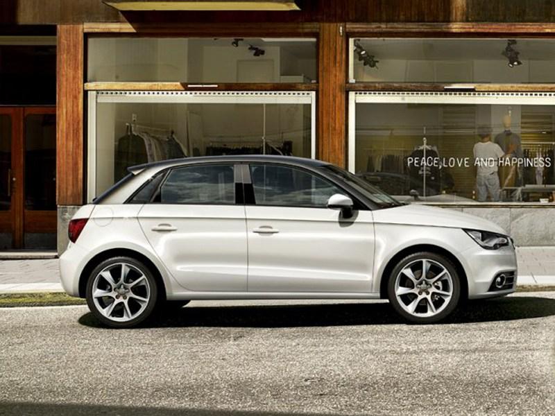 Audi A1 Sportback вид сбоку