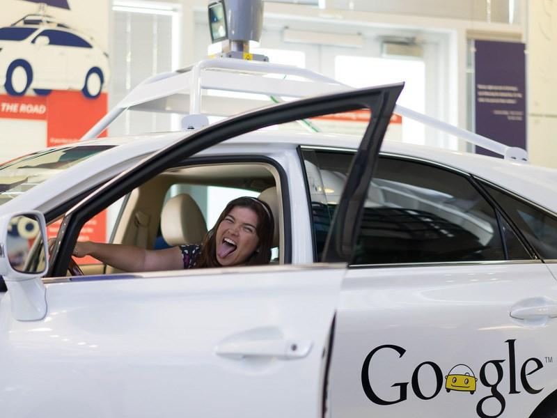 Более половины водителей ждут скорейшего развития беспилотных автомобилей