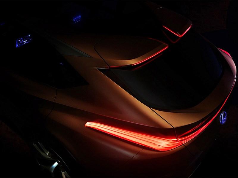 Lexus в январе покажет предтечу флагманского внедорожника