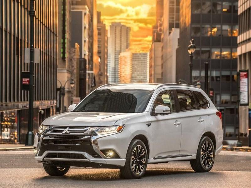 Mitsubishi прекращает продажи Outlander PHEV в России