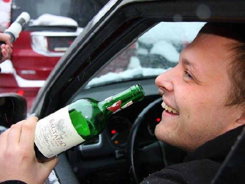 Россияне поддерживают меры против пьянства за рулем