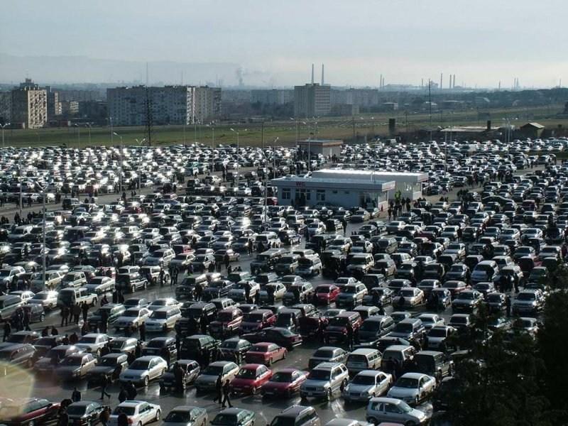 Эксперты: черный цвет – самый популярный в России