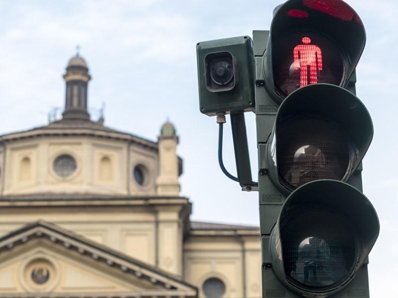 Итальянские светофоры научились выявлять нарушения ПДД