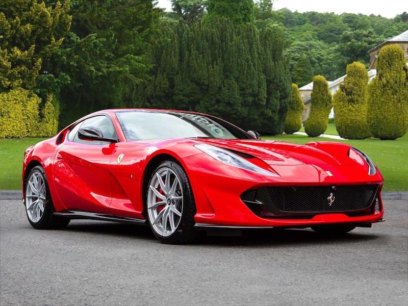 В Ferrari необычным образом анонсировали новый спорткар