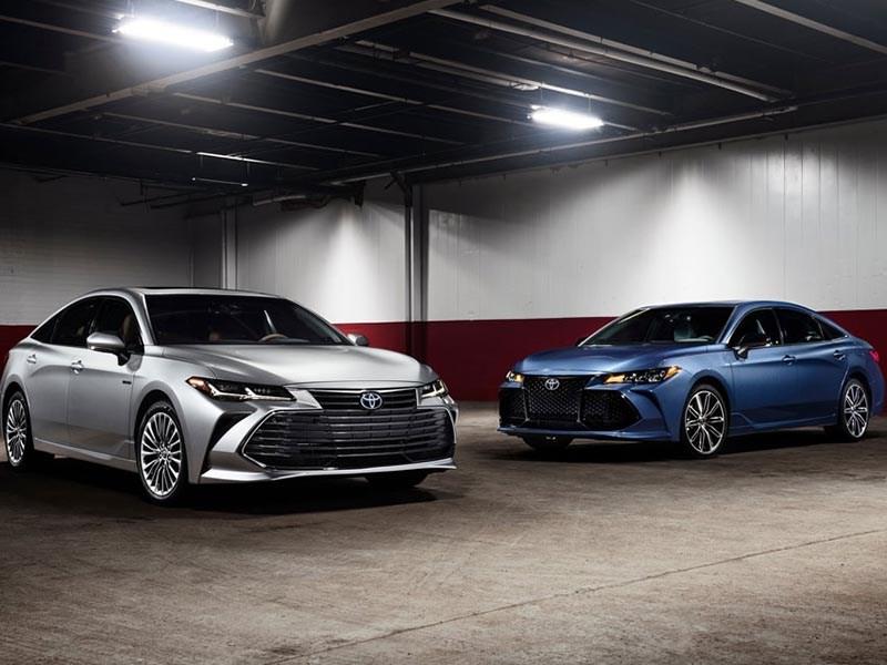 Toyota представила новое поколение Avalon