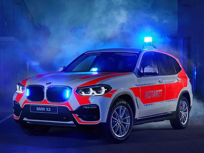 БМВ представила полицейский Мини John Cooper Works и внедорожник X3 для пожарников