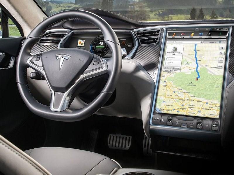Китайские хакеры взломали защиту Tesla Model S