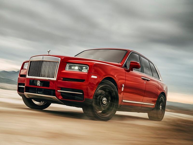 Rolls-Royce Cullinan: огромный, мощный, вместительный