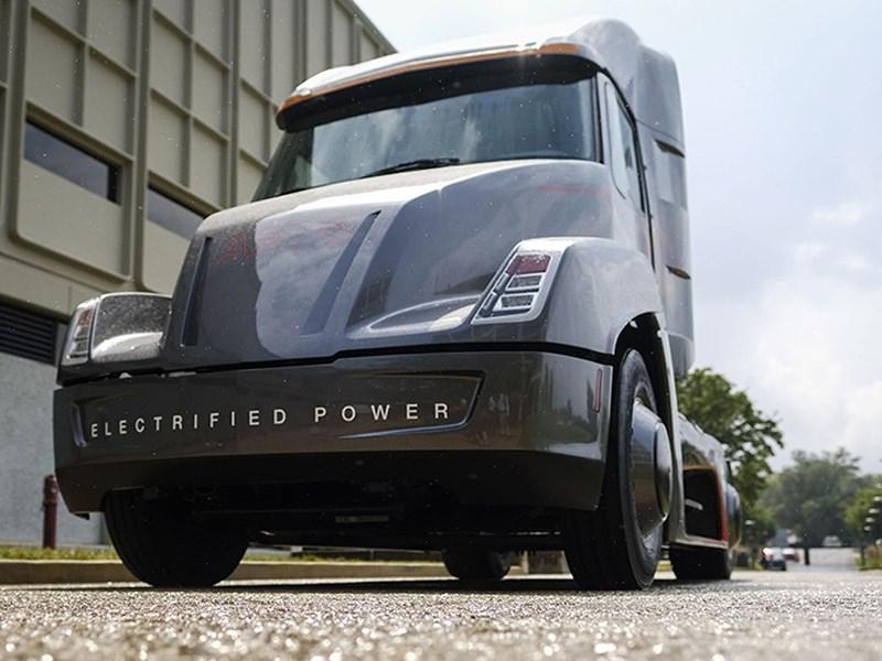 Cummins представила на100% электрический фургон Aeos