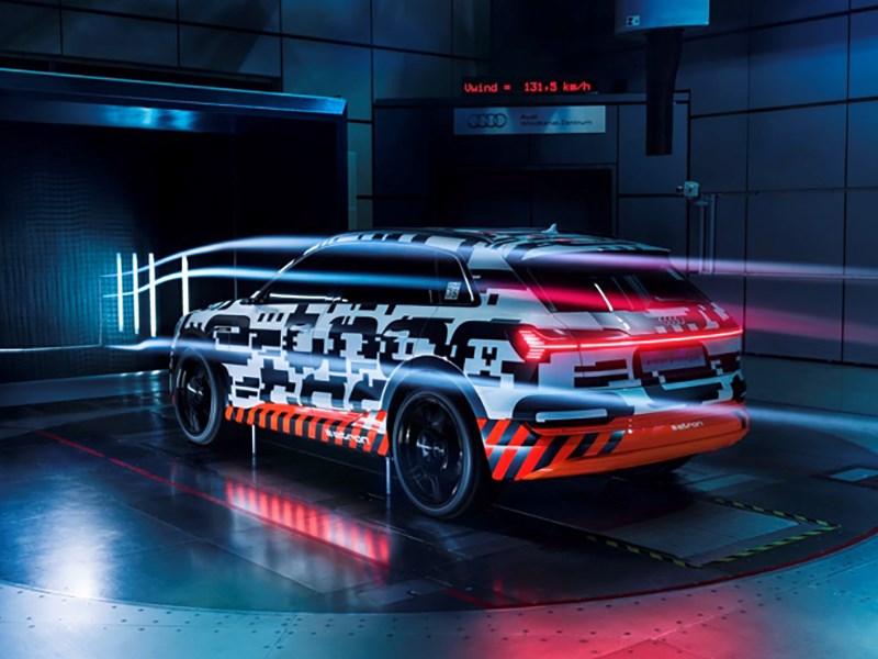 Названа дата премьеры электрического кроссовера Audi