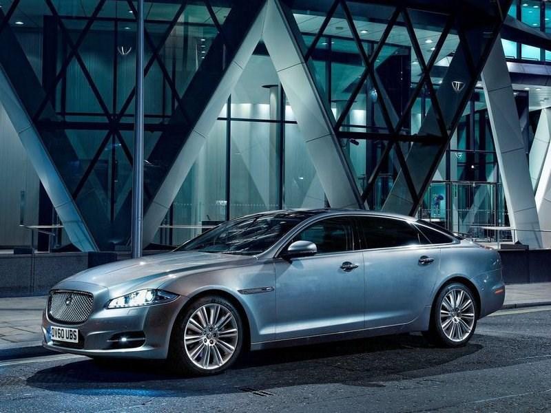 Jaguar Land Rover объявил отзыв своих автомобилей в России