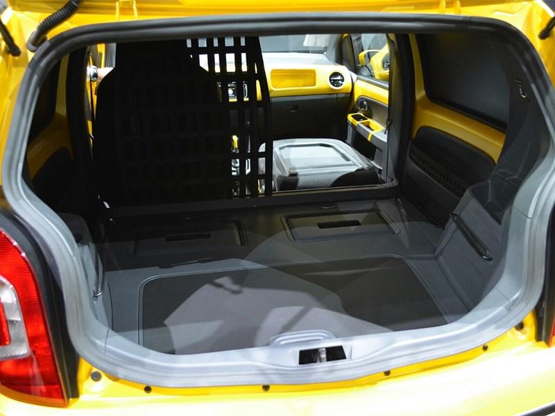 Volkswagen e-load Up! 2013 багажное отделение