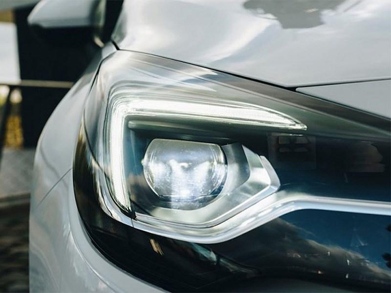 Opel показал кусочек обновленной Astra