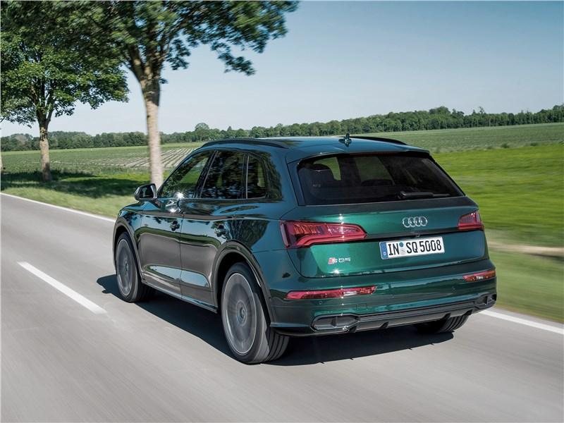 Audi SQ5 3.0 TFSI 2018 вид сзади