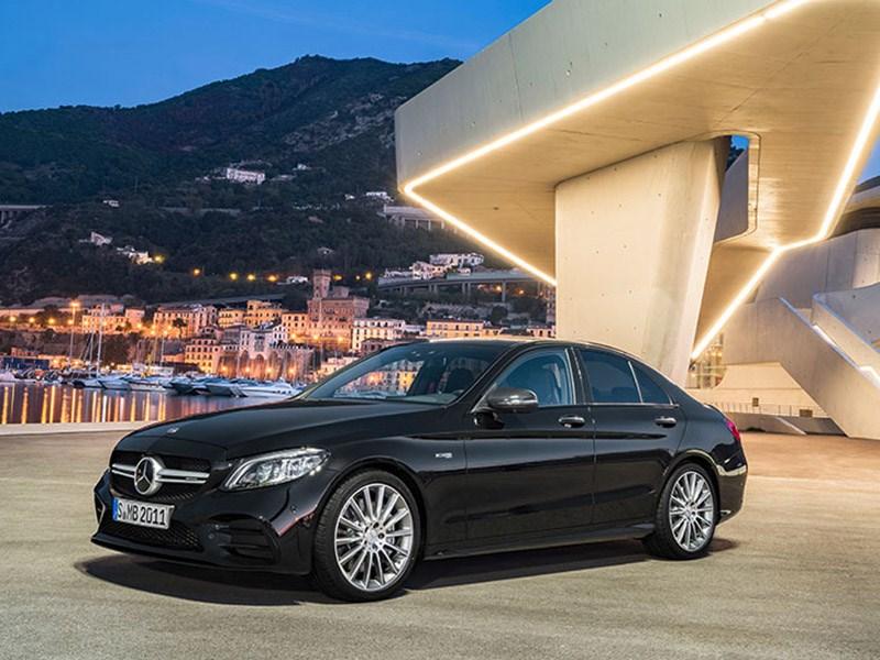 Обновленный Mercedes-Benz C43 AMG стал мощнее, но не быстрее