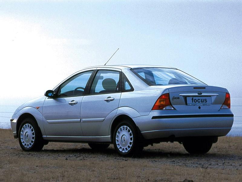 Ford Focus 1998 кузов седан вид сзади