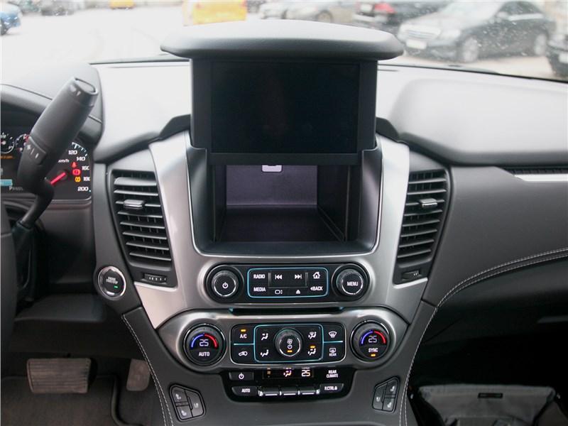 Chevrolet Tahoe 2018 центральная консоль