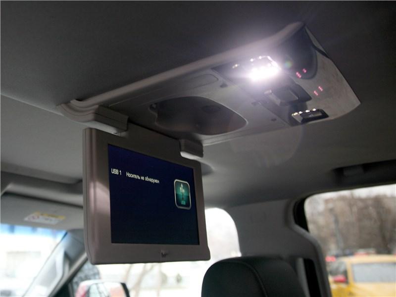 Chevrolet Tahoe 2018 монитор для задних пассажиров