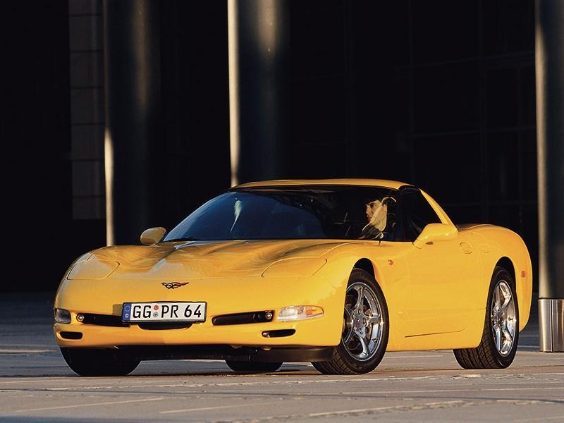 Chevrolet Corvette 2001 в кузове тарга фото 1