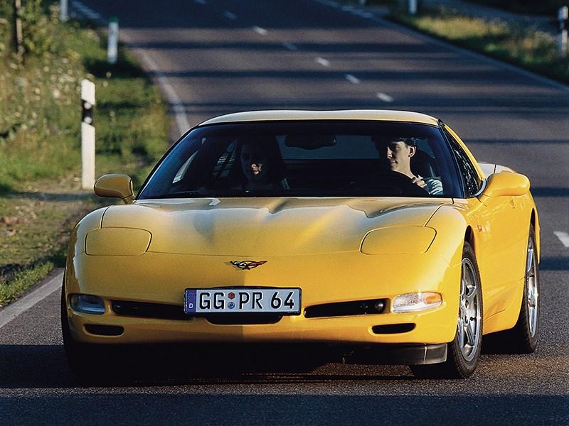 Chevrolet Corvette 2001 в кузове тарга фото 2