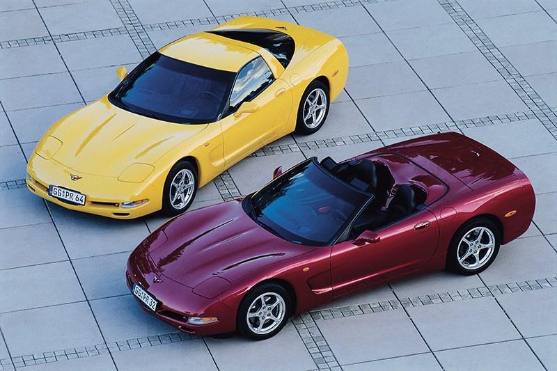 Chevrolet Corvette 2001 в кузовах тарга и кабриолет фото 2