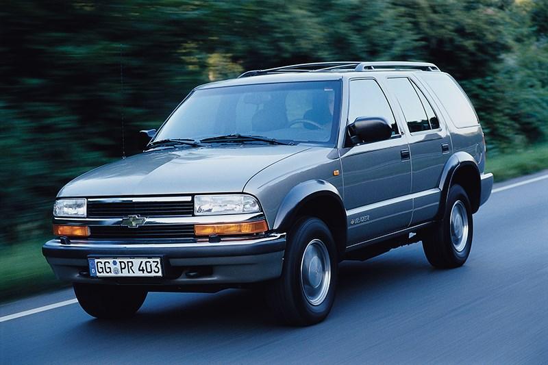 Chevrolet Blazer 2001 фото в динамике