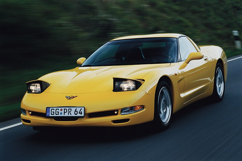 Chevrolet Corvette 2001 в кузове тарга фото 3