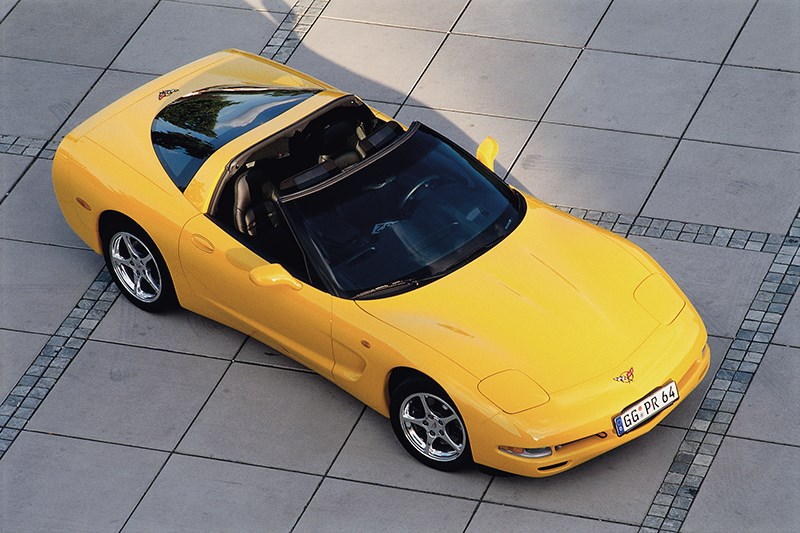 Chevrolet Corvette 2001 в кузове тарга фото 4