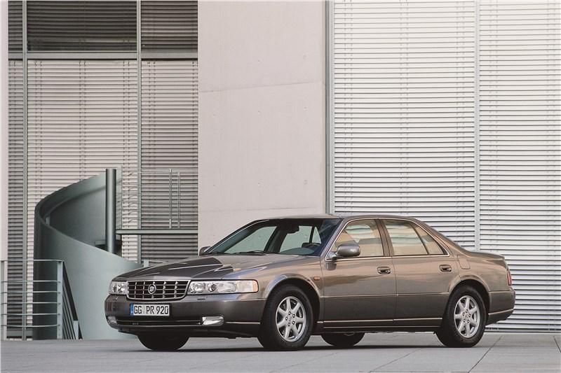 Cadillac Seville 1998 вид спереди слева фото 2