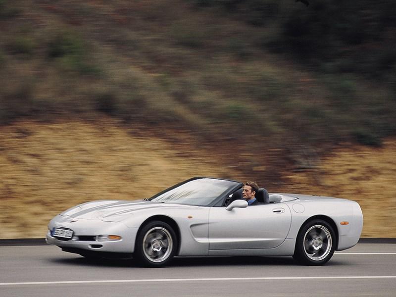Chevrolet Corvette 2001 в кузове кабриолет фото 9