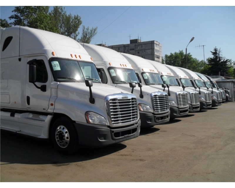 Рынок грузовиков и легких грузовиков замедлил свое падение