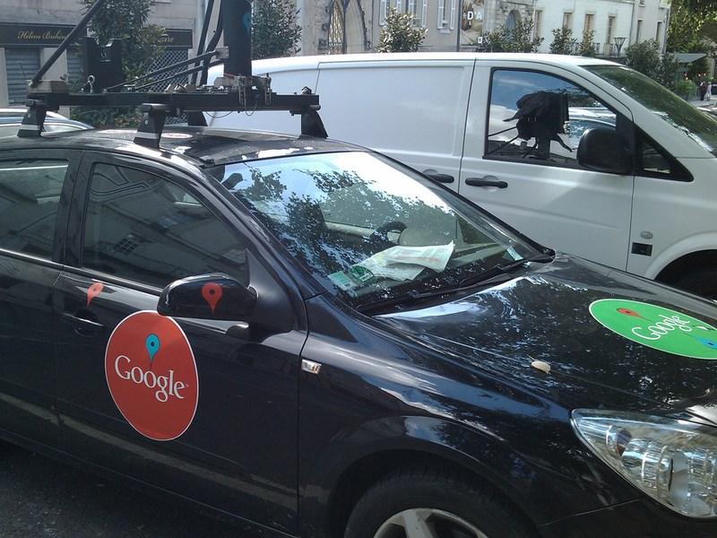 Google получил патент на систему переключения управления беспилотным автомобилем