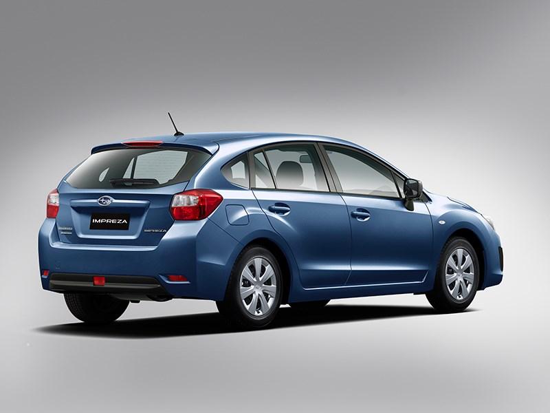 Subaru Impreza 2012 вид сзади синий