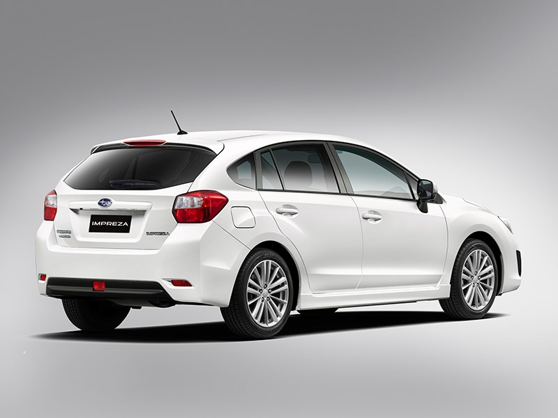 Subaru Impreza 2012 вид сзади